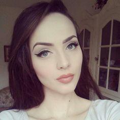 Pretty low key pin up makeup look