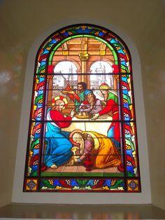 """Vitral """"Mujer pecadora enjuta los pies del Señor"""", Parroquia La Inmaculada, Heredia, Costa Rica"""