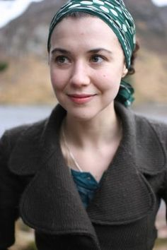Lisa Hannigan.  Has a beautiful voice.  Embroiders.