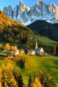 Autumn in Dolomites, Italy I was so lucky to go there, the picture is amazing but nothing like the real thing