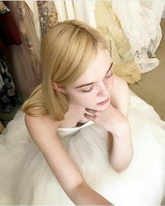 Image about Elle Fanning in personen by Ellie Fanning, Fanning Sisters, Dakota And Elle Fanning, Beautiful Girl Image, Beautiful Women, Calvin Klein, Looks Style, Beautiful Actresses, Girl Crushes