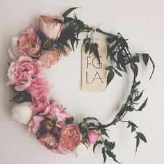Kelsey Harper aka Flower Girl Los Angeles to host a flower crown making workshop at the LUX / EROS Lodge March Flowers In Hair, Fresh Flowers, Wedding Flowers, Diy Flowers, Wedding Crowns, Flower Head Wreaths, Flower Crowns, Crown Flower, Crown Tumblr
