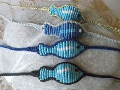 I love these macrame little fishes, not only as bracelets but mostly as anklets... they look lovely! Video tutorial here: https://www.youtube.com/watch?v=OvqjAtziZqM