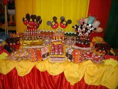 Mesa de cumpleaños de mickey