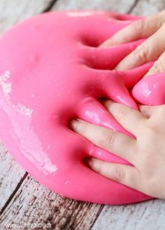Homemade Gak! This is the cheapest and best kid entertainment ever!! Recipe on { lilluna.com } Supplies needed include - glue, borax, water, and food coloring!