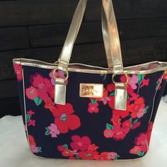 Lily Pulitzer Shopper Tote Handbag Gorgeous flowers with gold trim Lily Pulitzer Bags Totes