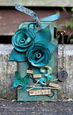 I love this lady's website...so talented! I love that colour!