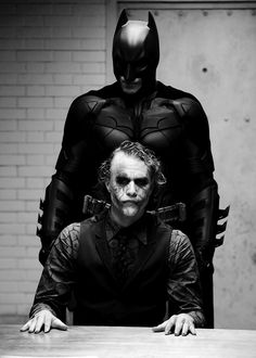 "Christian Bale and Heath Ledger - ""The Dark Knight"" - FANFANFAN"