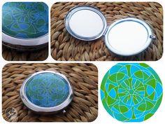 Lesní nálada (zavírací + zvětšovací zrcátko) Mandala Design, Magnets, Buttons, Plates, The Originals, Licence Plates, Dishes, Griddles, Dish