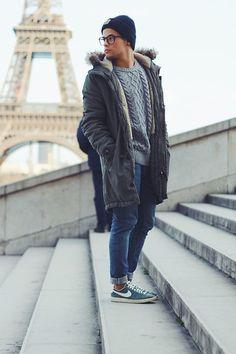 Kevin Elezaj - Nike Sneakers, H&M Jeans, Bershka Parka, H&M Sweater, H&M Glasses, Carharrt Beanie - Le tour de eiffel