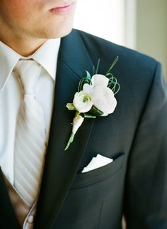can't go wrong with white on your wedding day! #fashion #style #pocketsquare