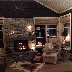 Inspirasjon til hytte/ hagestue Big Bear Cabin, Cozy Cabin, Cozy House, Country Girl Home, Ad Architectural Digest, Cabin Fireplace, Interior Garden, Cabin Interiors, Cabin Design