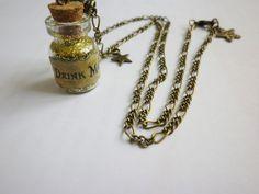 """collier fiole remplie poussiere d etoile """"drink me"""" bronze : Collier par fimo-relie"""