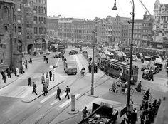 Amsterdam, 11 oktober 1948 – Luchtopname Muntplein.