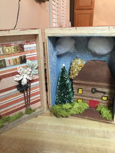 Project christmas scenes on house