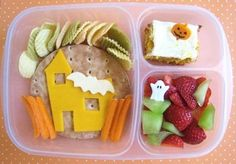 Yummy Lunch Box Gallery - Easy Lunch Boxes, Bento Lunches : Photo Keywords : healthy meal ideas : Light and healthy lunch! Halloween Lunch Ideas, Healthy Halloween Snacks, Healthy Lunches For Kids, Kids Meals, Halloween Week, Halloween Countdown, Halloween Foods, Halloween House, Happy Halloween