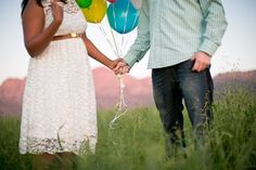 Whimsical Balloon-Themed Engagement Photo Shoot | Confetti Daydreams