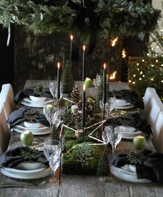 As thoughts turn to planning a festive table for Christmas or New Years Eve, how inspirational is this Beautifully styled from the heart with natural materials taking centre stage. I am already sitting there, are you by moas_home Natural Christmas, Christmas Mood, Noel Christmas, Modern Christmas, Purple Christmas, Coastal Christmas, Scandinavian Christmas, Christmas Crafts, Natal Natural