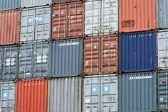 4 Tips for Using a Shipping Container as a Survival Shelter Buy Shipping Container, Shipping Containers For Sale, Valencia, Nova, Cargo Container, Container Houses, Container Cabin, Underground Bunker, Container Architecture