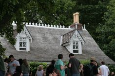 The Alice Austen House in Staten Island, NY promotes public awareness and scholarly study regarding the life and work of Alice Austen (1866-1952), one of America's earliest and most prolific female photographers.  http://aliceausten.org/