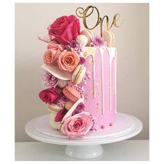 9+ of the Best Homemade Birthday Cake Ideas #birthdaycakenobackground Pretty Cakes, Cute Cakes, Beautiful Cakes, Amazing Cakes, 21st Birthday Cakes, Homemade Birthday Cakes, Caramel Buttercream, Buttercream Cake, Mini Cakes