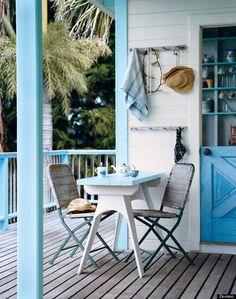 Who doesn't love a pretty porch?
