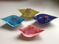 kleines Papierschiffchen aus Wachstuch © * Ahoi von sternchen-design auf DaWanda.com
