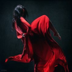 I want a flowing dress like this to do pictures on a mountain top in various dance poses.
