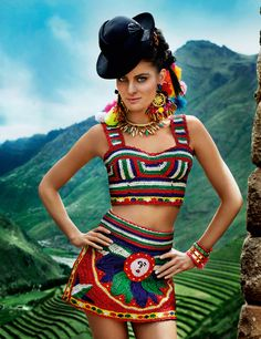 Isabeli Fontana par Mario Testino, numéro d'avril 2013 spécial Pérou de Vogue Paris