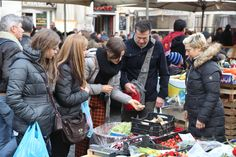 Best food tours in Rome ,one of the freshest market of Rome Campo dei fiori www.edenwlaks.com