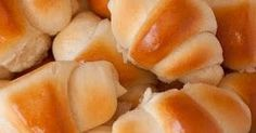 Is there anything like a fresh, hot out of the oven, homemade dinner roll? Dinner rolls are a classic that will never fade. These dinner rolls are dangerously good! How could something with so few simple ingredients be so delicious? Homemade Dinner Rolls, Dinner Rolls Recipe, Dinner Recipes, Bread And Pastries, Bread Recipes, Cooking Recipes, Pasta Recipes, Cooking Tips, Biscuits