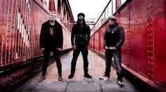 """The Prodigy - Neues Album 'The Day Is My Enemy' und Tour 2015 - Mit weltweit über 20 Millionen verkauften Alben sind The Prodigy die unbestrittenen Superstars der britischen Clubkultur. Ihre einzigartige Mischung aus Techno, Rave, Big Beat, Jungle, Drum'n'Bass, Acid House, Punk und elektronischem Hardcore findet seit über 20 Jahren szeneübergreifend Millionen von Fans. Als einzige haben sie im gleichen Jahr den MTV Music Award sowohl als """"Best Alternative Act"""" als ..."""