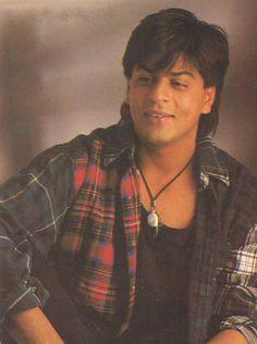 TRIMURTI 1995 Shah Rukh Khan Movies, Shahrukh Khan, Chennai Express, Love Of My Life, My Love, Indian Star, Nov 2, King Of Hearts, Bollywood Actors