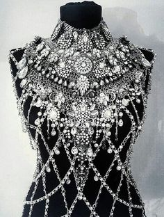 Would be fun to copy this idea with Irish crochet! - Women& jewelry and accessories - Would be fun to copy this idea with Irish crochet! Mode Inspiration, Irish Crochet, Costume Design, Body Jewelry, Jewellery, Fashion Accessories, Crochet Accessories, Wedding Accessories, Ideias Fashion
