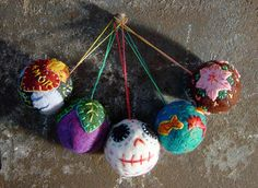 Painted Threads Projects: Making Felted Balls