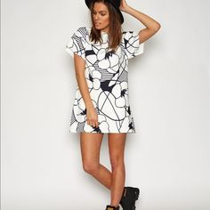 Finders Keepers Symptomatic dress NWT SZ small Black and white floral print dress NWT Finders Keepers Dresses Mini