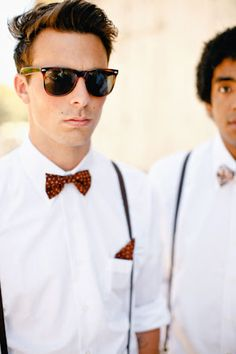 Casual Groomsmen Style - I like the suspenders and matching bow tie and handkerchief Casual Groomsmen, Bridesmaids And Groomsmen, Groom Attire, Vintage Groomsmen, Groomsmen Fashion, Groom Suits, Groom Outfit, Wedding Groom, Wedding Suits