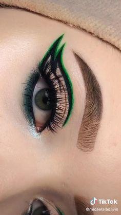 Edgy Makeup, Makeup Eye Looks, Eye Makeup Art, Contour Makeup, Eyebrow Makeup, Makeup Kit, Creative Eye Makeup, Colorful Eye Makeup, Eye Makeup Designs