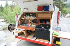 Portable Glamping Kitchen from Big Woody Campers http://www.bigwoodycampers.com/