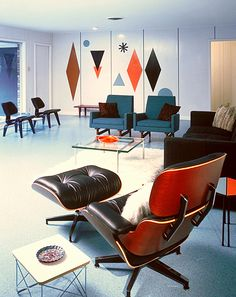 Mid-century Home in Temple, TX, designed & built by Ralph Wilson, Sr. in 1959.Eames everywere !