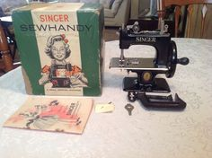 NICE RARE 100 ANNIVERSARY SINGER 20 SEWHANDY SMALL CHILDS TOY SEWING MACHINE SEE