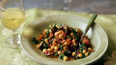 Spinach, aubergine and chickpea curry. This is easy, quick, delicious and really healthy. What's not to like?