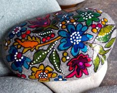 Serenity Garden / Painted Rock / Sandi Pike Foundas / Cape Cod Sea Stone