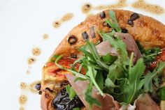 Fig & Olive's Fig Gorgonzola Tartlet Recipe // howyouglow.com