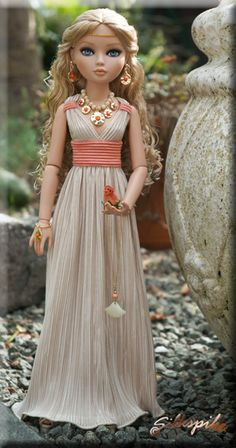 Silkspike Dolls - Tutorial Grecian Dress - easy directions - no pattern needed - want to make this for Barbie!