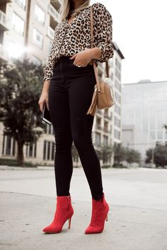 Fall 2018 Trend: Leopard Top & Red Boots - Uptown with Elly Brown Booties Outfit, Red Shoes Outfit, Red Booties, Outfits With Red Shoes, Leopard Print Outfits, Leopard Top, Red Ankle Boots, High Boots, Casual Outfits