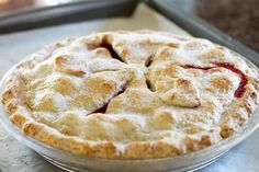 pie crust recipe/tutorial...this is my favorite one...easy to handle and very tasty. I use all butter though, no lard :)