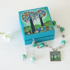 Green Jewellery Set, Green Pendant Necklace, Green Earrings, Green Trinket Box  £30.00