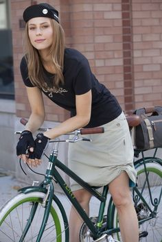 "I'm a ""Cyclista"" just love Terry cycling clothes.- Great look #fashion #cyclingfashion #helmethuggers"