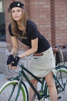 "I'm a ""Cyclista"" & just love Terry cycling clothes.- Great look #fashion #cyclingfashion #helmethuggers"